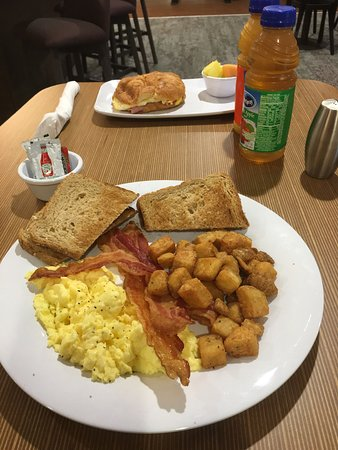 Suffolk, VA: King room with sleeper and breakfast from the bistro