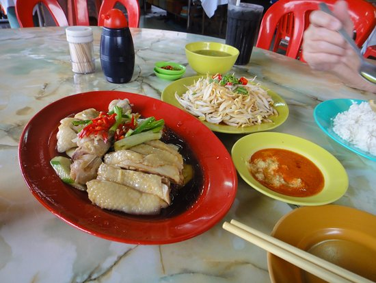 Buntong Bean Sprout Chicken : Chicken and bean sprouts