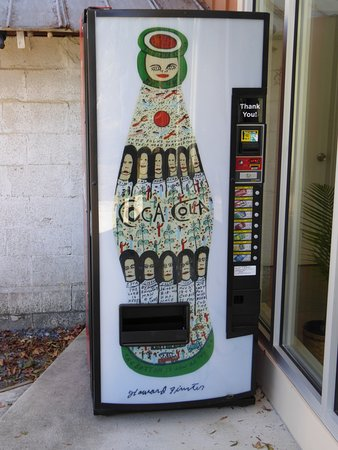 Summerville, Джорджия: Decorated vending Machine