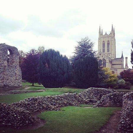 Bury St. Edmunds, UK: IMG_20161019_212645_large.jpg
