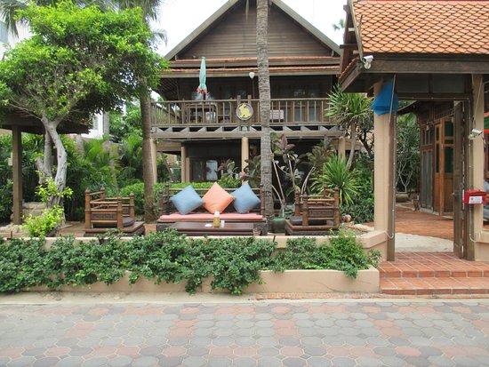 Rabbit Resort: Super site for beverages and conversation