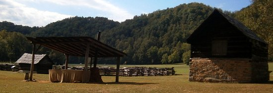 Cosby, TN: Farm at Visitor's Center
