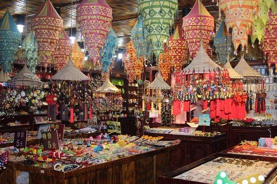 Gaochun County, China: souvenir shop