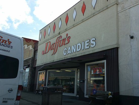 Girard, OH: the candy store