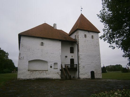 Ida-Viru County, Estonia: Purtse Vasallborg.