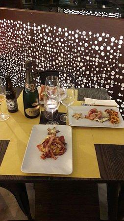 Quarto D'Altino, Italia: A picture of our table