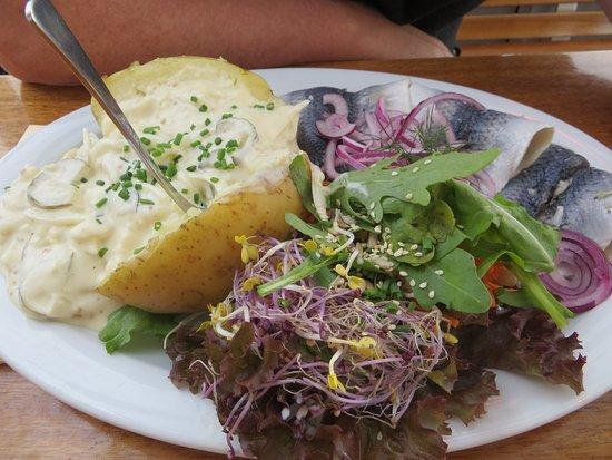 Fischkuche Laboe: Backkartoffel Mit Bismarckhering
