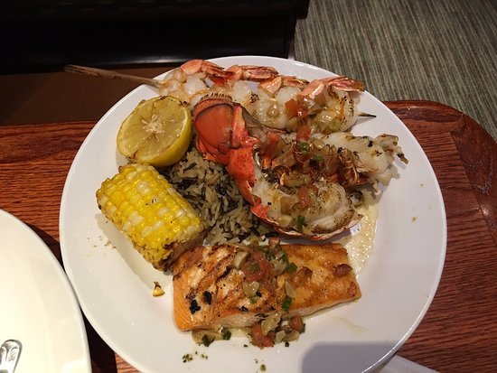 Doral, Floryda: Lobster and Salmon and Shrimp! The Trifecta!