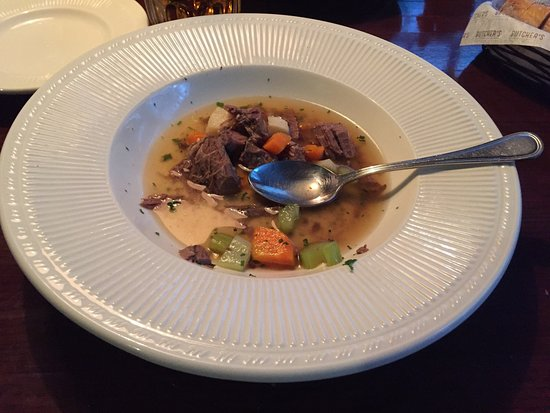 All just great. Nice soup. Steak. Fish. Lovely. Cool service. Relaxing atmosphere.