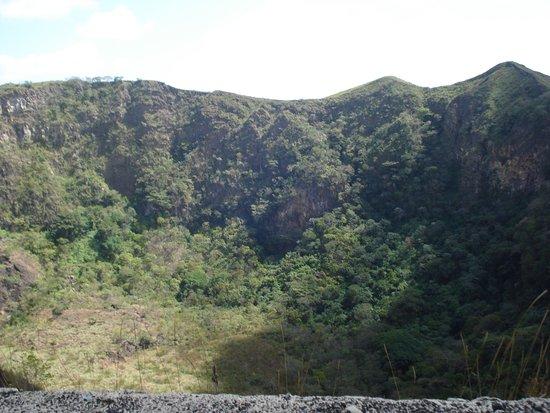 Masaya, Nicaragua: Climbing Volcan Maya