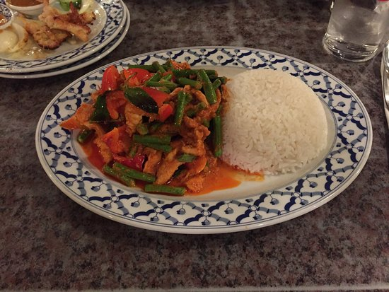 Thai green curry with chicken and rice - Picture of Rice Bowl Thai ...