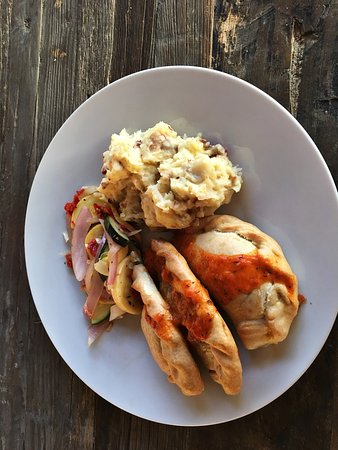 North Fort Myers, Floryda: Tarragon Chicken Empanada Entree