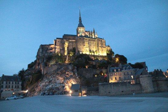Mont Saint-Michel Abdij: di sera