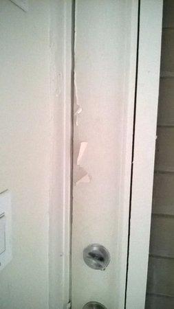 Winterset Hotel: hotel door inside just has bad on outside