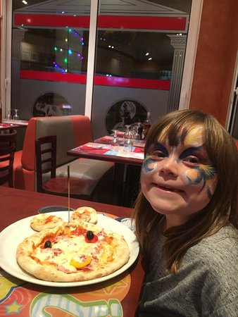 Pizzeria Di Roma: Lovely food and super service.
