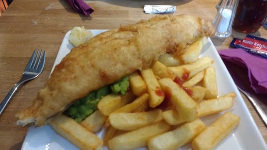 Penrith, UK: Fish chips and mushy peas.