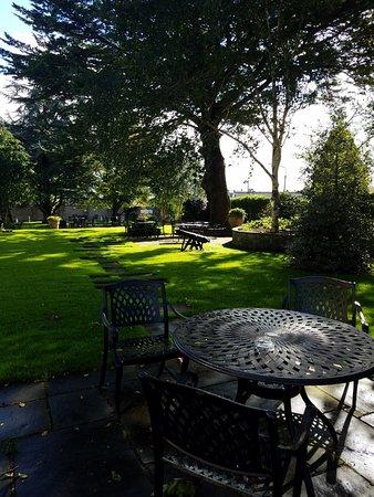 Ένις, Ιρλανδία: Garden