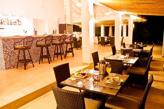Boca Chica, Panama/Panamá: Dining at Bocas del Mar