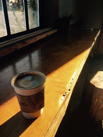 Masset, Canada: The Ground Gallery & Coffee House