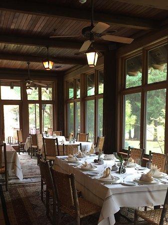 Брэдфорд, Пенсильвания: Sunporch dining