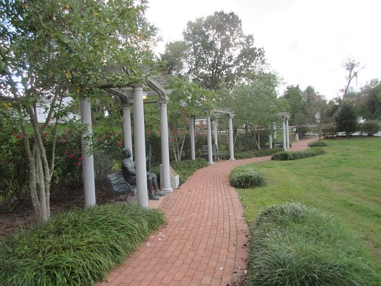 Milton Memorial Park: This walk will lead up to Union Street (Main Street of Milton)