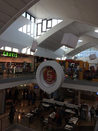 Neuss, Alemania: Vista interna do Shopping