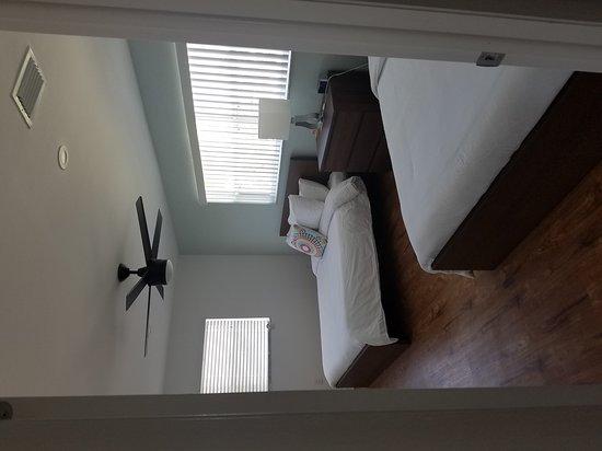 St Pete Beach Suites: 20161022_132430_large.jpg