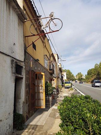 Sant Esteve Sesrovires, Spagna: outside of the restaurant