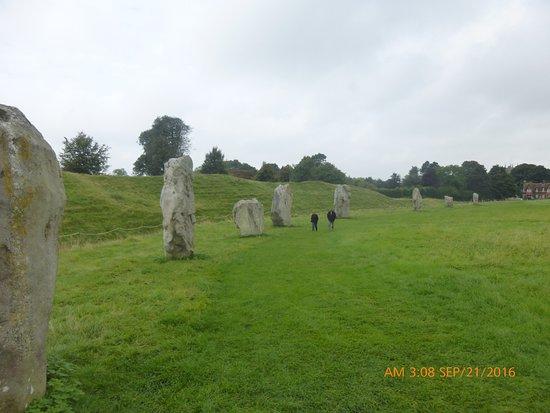 Avebury, UK: Circle of very large stones