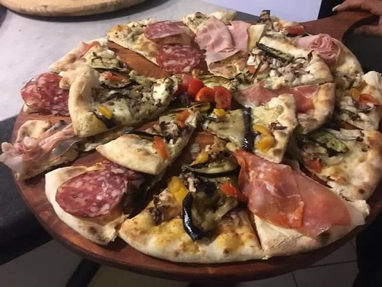 Emilia-Romagna, Italia: L'Infinity Ristorante Pizzeria Lounge Bar
