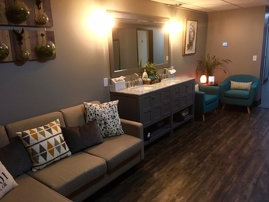Salem, OR: Our interior lobby - the post-float relaxation area.