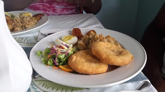 South Hill, Anguilla: Typical Anguillan breakfast with Johnny Cakes...Wow!
