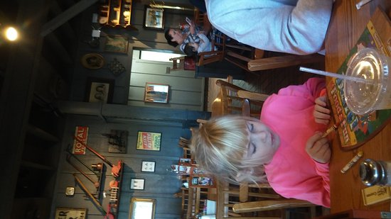 Saint Charles, MO: Cracker Barrel