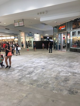 La Plaza Mall is the premier shopping destination in the Rio Grande Valley and features over 1,, square feet of upscale and mainstream retail space with retailers that include BcbgMaxAzria, Marciano, Michael Kors and Pandora, as well as more traditional retailers like Express, American Eagle Outfitters, Victoria's Secret and Aeropostale/5(21).