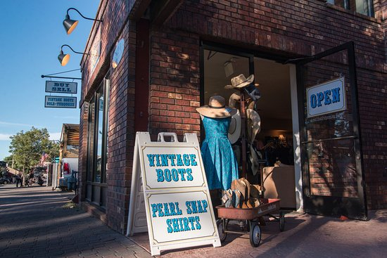 Cowgirl Cash: Exterior