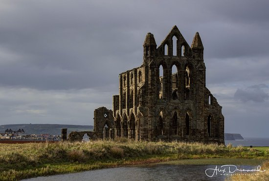 Whitby Abbey: The classic angle of this building - here with afternoon sun picking out the details
