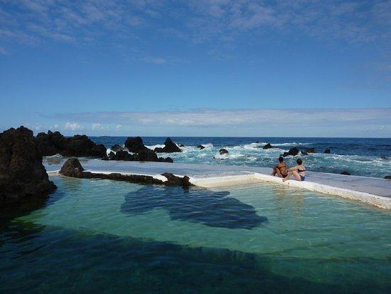 Porto Moniz Natural Swimming Pools: Beautiful when waves are calm
