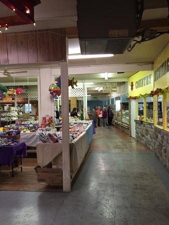 Chambersburg, Пенсильвания: Jim's Farmers  Market