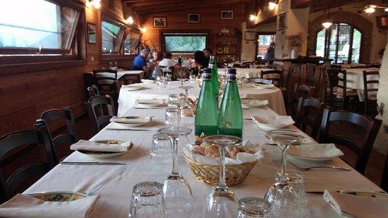 Pisogne, Italy: La nostra tavolata