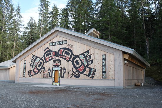 Gustavus, AK: Tribal clan house