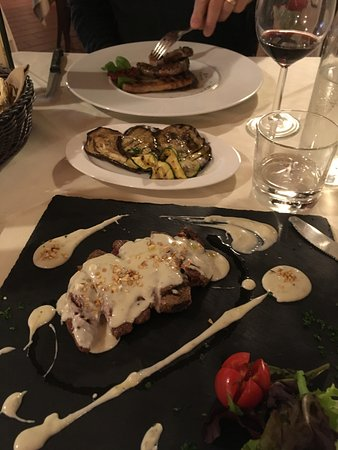 Carmignano, Italia: Beef filet with gorgonzola sauce