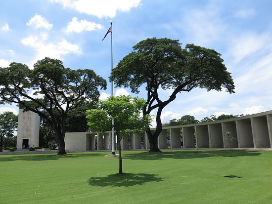 Manila American Cemetery and Memorial: Interior of the memorial - beautiful, well-maintained grounds. Very quiet.