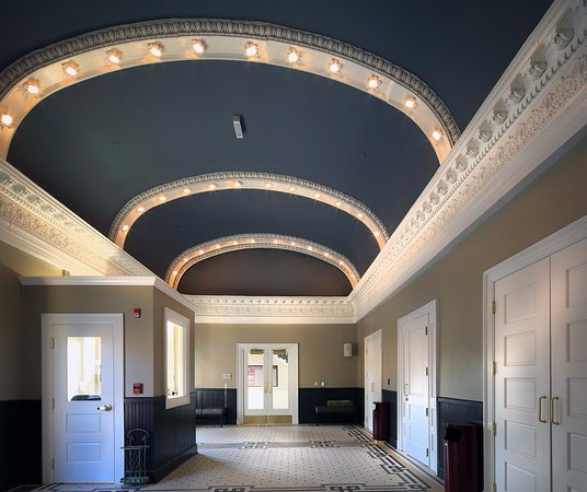 Clifton Forge, Wirginia: The lobby of The Historic Masonic Theatre
