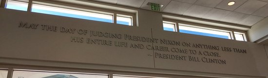 Yorba Linda, Kaliforniya: President Bill Clinton quote at exit of library