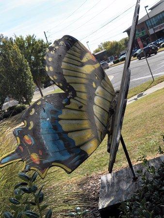 Huntsville Visitor Information Center : Art displayed outside
