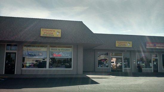 Escalon, CA: D'boni's Pizza