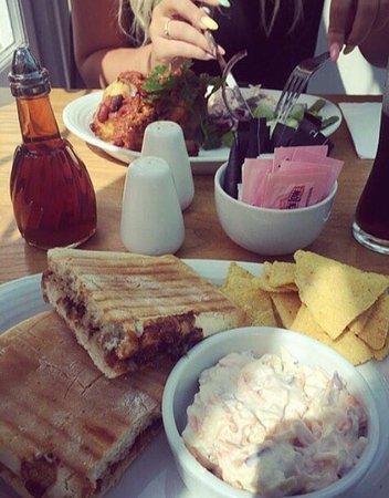 Green Goose Cafe Bistro: photo0.jpg