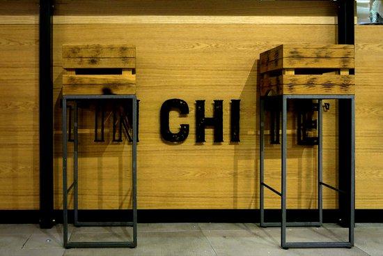 Gli sgabelli in ferro e legno. picture of tinchite taverna & putia