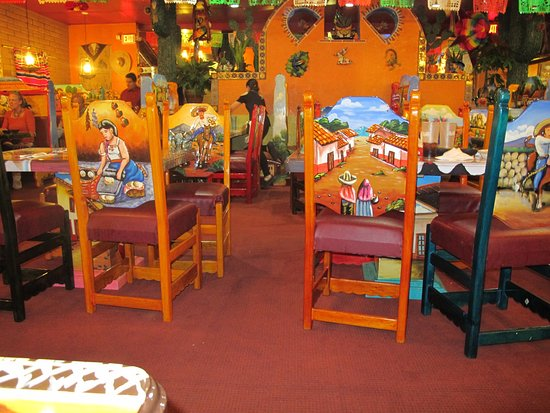 Show Low, AZ: A Restaurant Bursting with Color