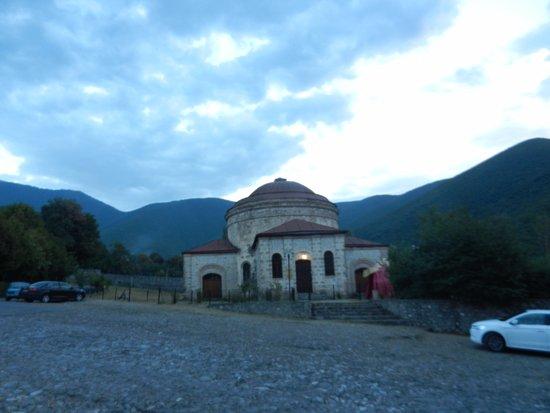 Museum of Folk and Applied Arts : Şeki Halk Sanatları Müzesi ve Kafkas Dağları